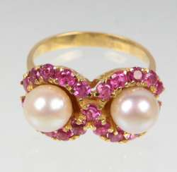 Akoya pearl Ring with ruby yellow gold 750