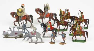 Tin flat figures around 1900 among other things