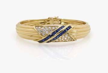 Bangle bracelet with sapphires and diamonds
