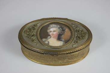 Oval jewelry box with miniature painting in lid, box fire gilt