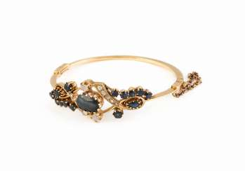 HISTORICAL GEMSTONE BANGLE