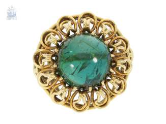 Ring: interesting, hand-crafted age gold ring with tourmaline finishing forging