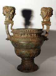 Bronze vessel in ancient style, one shaped column foot with waved round body and wide opening