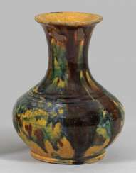 Sancai bottle vase from the Tang period