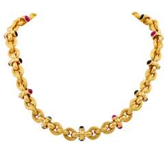 Necklace with precious stones,