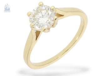 Ring: golden solitaire / brilliant gold wrought ring with a fine diamond of 1.06ct