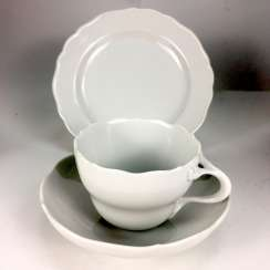 Place setting white, Meissen porcelain, New neck, very good.