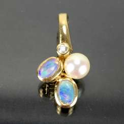 Trailer / clip trailer for the pearl necklace: yellow gold 585, opal, diamond, pearl.