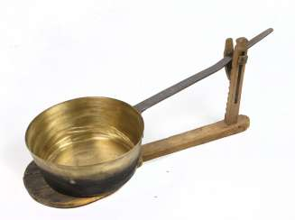 Pan servant with crucible