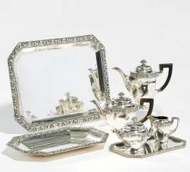 Coffee and tea service with fruit relief