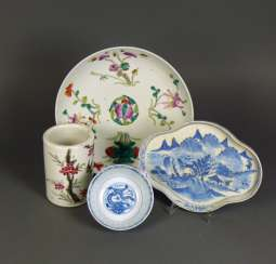 4 div. Parts Porcelain