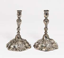 Pair of candlesticks with baluster shaft