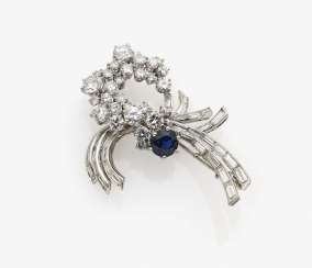 Brooch with sapphire, brilliant-cut diamonds and diamonds