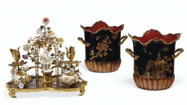 A LOUIS XV ORMOLU-MOUNTED LACQUER, MEISSEN AND FRENCH PORCELAIN ENCRIER, AND A PAIR OF FRENCH ORMOLU AND POLYCRHOME TOLE PEINTE CACHE POTS