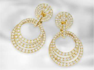 Earrings: extremely luxurious yellow gold brilliant Hoop earrings, in total approx. 8,3 ct, 18K Gold, Nobel Juwelier Mahlberg, estimated NP DM 50.000,-