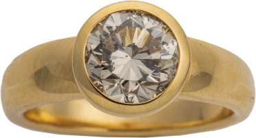 Yellow gold ring with brilliant-solitaire