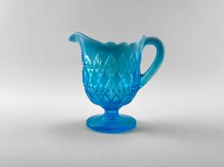 The milkman of colored glass aquamarine, England, the company is Davidson, perfect condition, 1890.