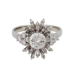 Ring with diamonds together approximately 1.6 ct