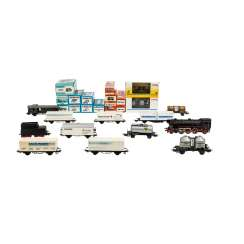 MÄRKLIN mixed lot of two locomotives and 24 freight wagons, gauge H0,