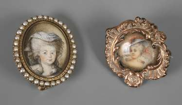 Two brooches with Miniatures