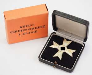 War merit cross, 1. Class, in a case, with Outer box 1.
