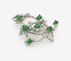 Brooch with brilliants and emeralds