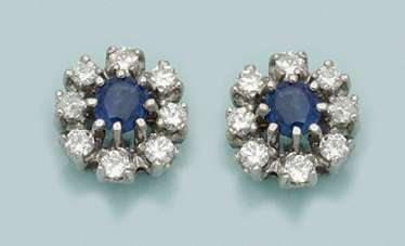 Pair of classic sapphire earrings
