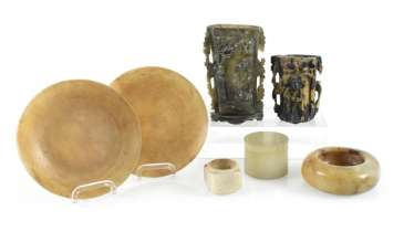 Group of Works made of stone, including soapstone, brushes, cups, bowls and lidded box