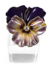 BROOCH IN THE FORM OF A FLOWER,