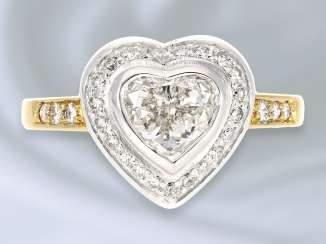 Ring: very tasteful, formerly more expensive and modern crafted gold ring is forged with heart-cut diamond, 18K Gold
