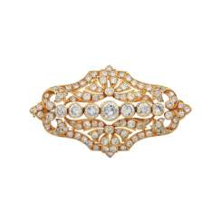 Brooch with numerous diamonds and diamonds in octagonal cut,