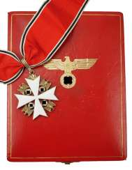German Eagle Order, 2. Model (1939-1945), Cross Of Merit 1. Level (from 1943, 3. Class), in a case.