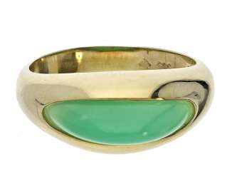 Ring: exceptional vintage gold wrought ring with chrysoprase