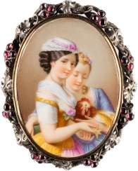 BROOCH WITH PORCELAIN IMAGE 'ANIMAL LOVE'
