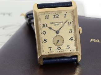 Watch: very large, rectangular, 18K yellow Gold gentleman's wrist watch Patek Philippe