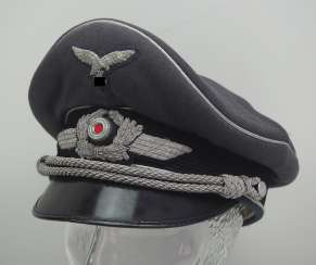Luftwaffe: visor cap for officers.