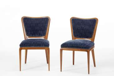 Pair of chairs corresponding to the armchair model