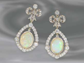 Earrings: very beautiful antique opal earrings with diamonds, approximately 2.2 ct 18K yellow gold