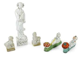 Blanc-de-Chine figure of a lady, Pair of Buddhist lions & two polychrome brush shelf