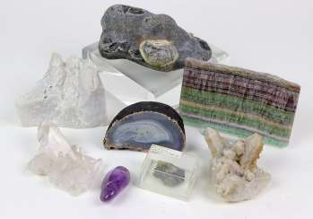 Post minerals and fossils