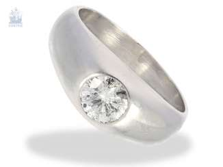 Ring: high-quality, white Golden vintage solitaire/brilliant-band-ring. 0,8 ct