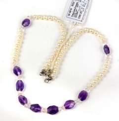 Cultured pearl necklace with Amethyst