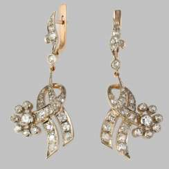 Earrings pendants gold with diamonds