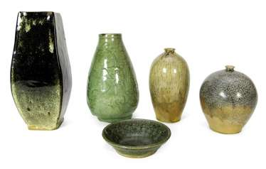 Four vases and a bowl, including Shiwan-Ware