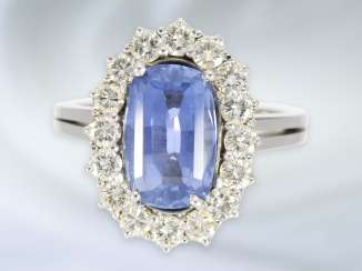 Ring: very nice and decorative, white Golden vintage sapphire/brilliant gold wrought ring, with approximately 4.3 ct