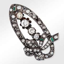 Brooch with diamonds and emeralds
