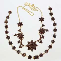 Garnet Necklace - Yellow Gold 333
