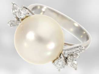 Ring: unique pearl ring with diamonds, approx 0,55 ct, gold wrought by hand from platinum Breeding, the court jeweller Roesner