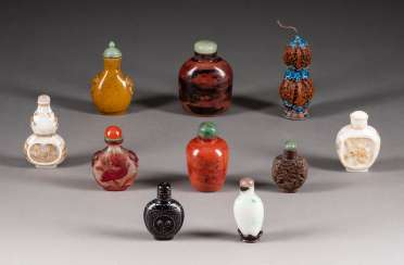 TEN SNUFFBOTTLES MADE FROM VARIOUS MATERIALS China