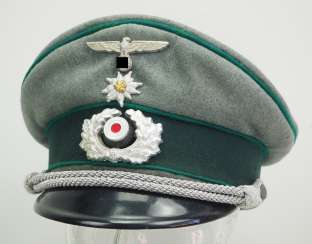 Wehrmacht: peaked cap for officers of the mountain troops.